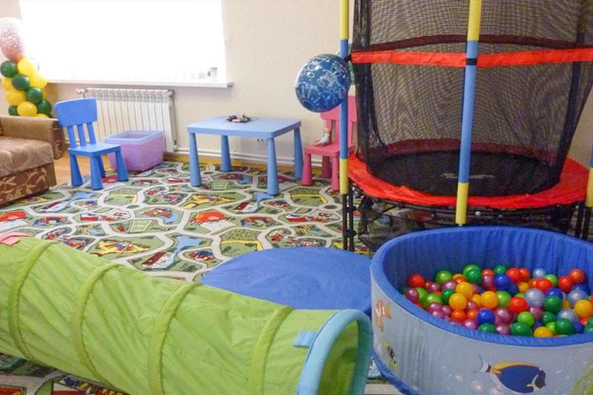 Детский уголок в игровом зале. База отдыха Розовая дача