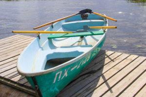 Лодка Пелла с 4 веслами. База отдыха Розовая дача