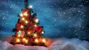 елочка Новый год желтые красные огни.