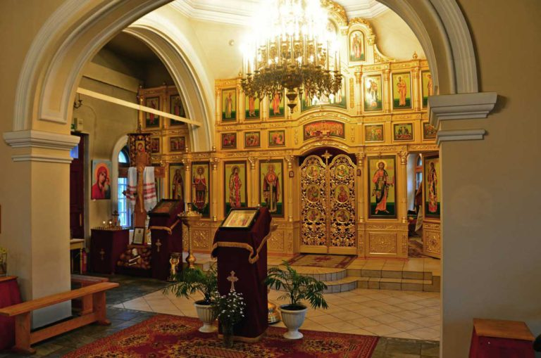 Иконостас церкви великомученика Георгия Победоносца